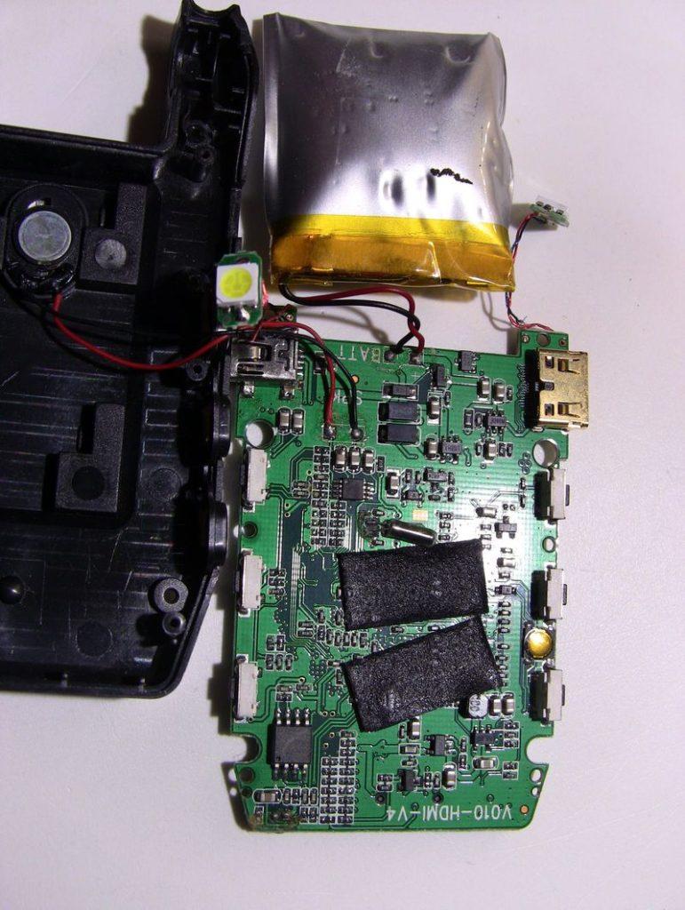 Обзор и небольшой ремонт автомобильного видеорегистратора KS-is Firex (KS-095) 8