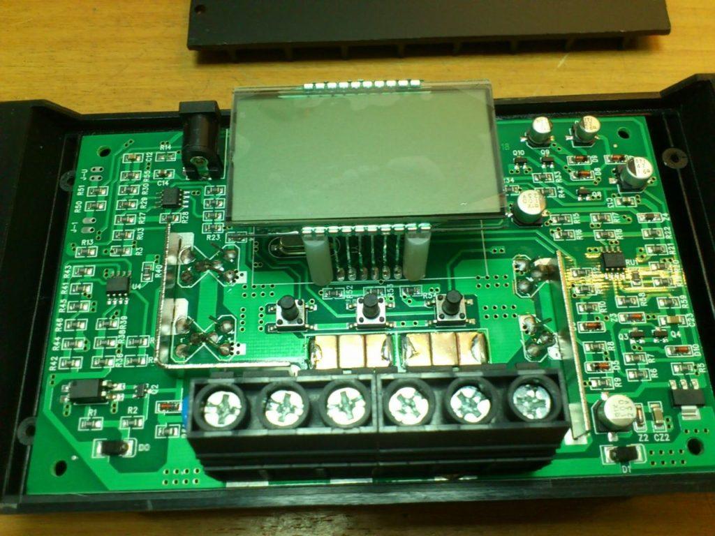 Контроллер заряда от солнечных батарей Solar Charge Controller SOLAR30 10